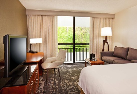 Park Ridge, NJ: King Guest Room