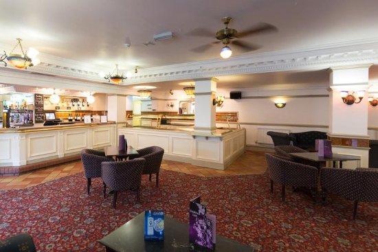 Hatherton, UK: Bar /Lounge