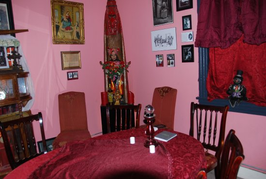 In house mediums use seance parlor for readings Seance & ghost hunts ...