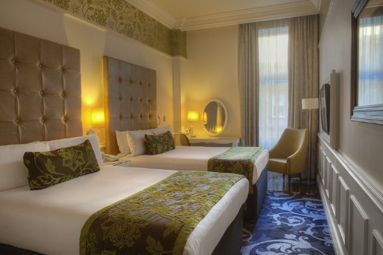 Hotel Indigo Glasgow: Twin rooms with 2 double beds are ideal when sharing with friends