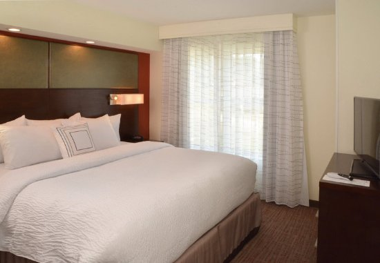 Fairlawn, OH: Studio Suite Sleeping Area