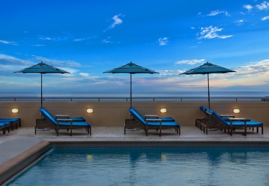 Marriott's BeachPlace Towers: Outdoor Pool - Sun Deck