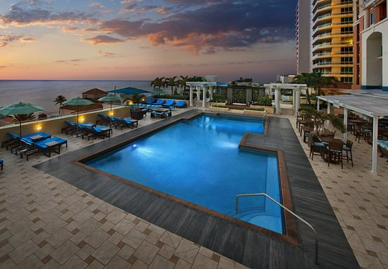 Marriott's BeachPlace Towers: Outdoor Pool