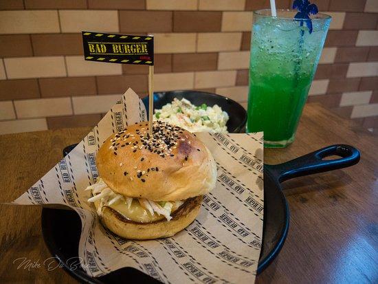 the little piggy picture of bad burger bangkok bangkok tripadvisor. Black Bedroom Furniture Sets. Home Design Ideas