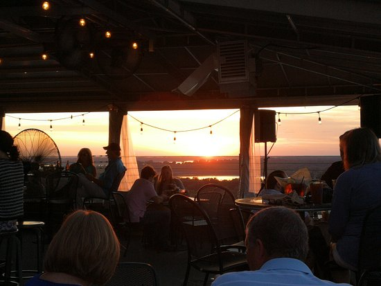 10 South Rooftop Bar & Grill, Vicksburg - Menu, Prices ...