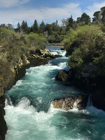 Taupo, New Zealand: Huka Falls - Beautiful