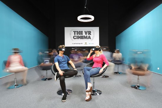 ‪The VR Cinema‬