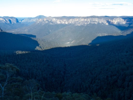 Govetts Leap : Evening shadows