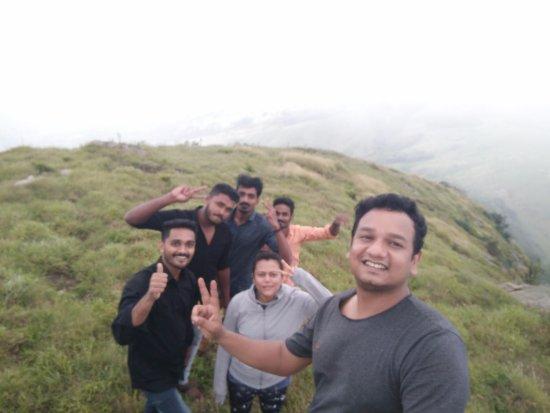 Ramakkalmedu, Hindistan: Nakramedu trek with Vinayak and his friends