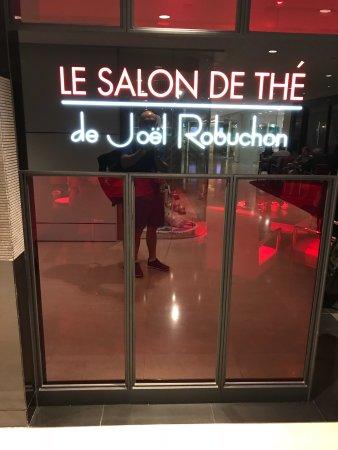 Le salon de the de joel robuchon hong kong central - Salon de joel robuchon ...