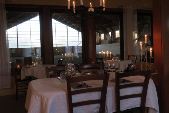 Klintehamn, Suecia: Restaurangen mot manegen.