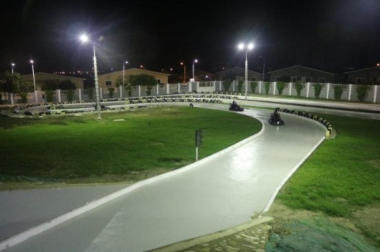 Tema, Гана: The course at night