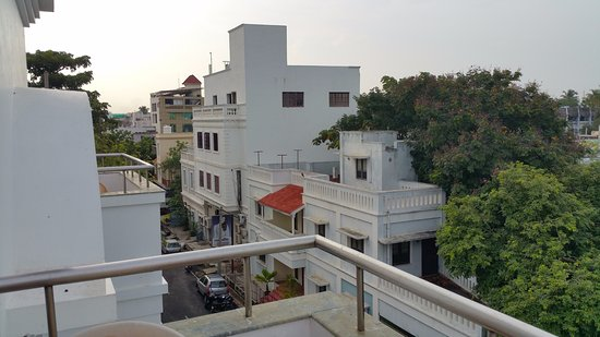 Pondicherry Executive Inn Pvt Ltd: View of city from Main Balcony