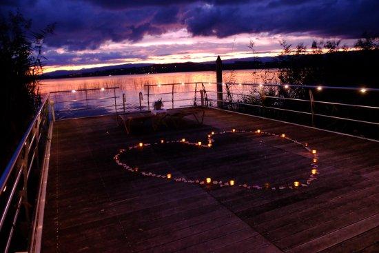 Meyriez, Switzerland: Steg / Heiratsantrag