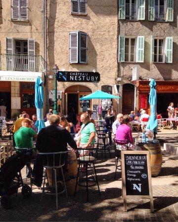 Cotignac, فرنسا: Bar a vin / cave Nestuby