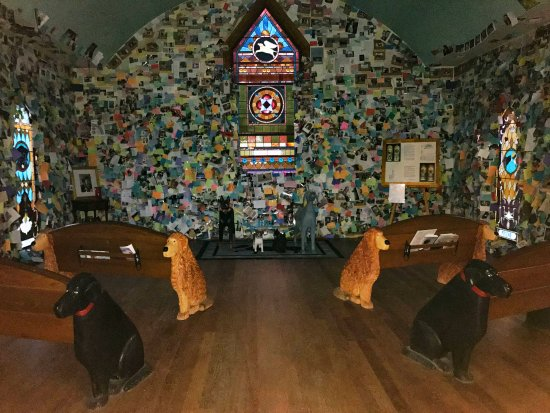 Saint Johnsbury, VT: inside chapel