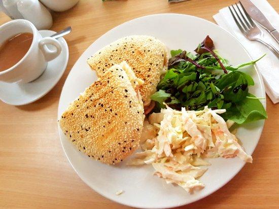 Perranuthnoe, UK: Chicken and bacon melt - delicious!