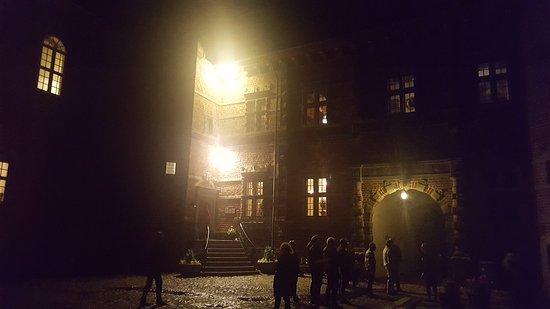 Dronninglund, Danmark: Indgangen by night