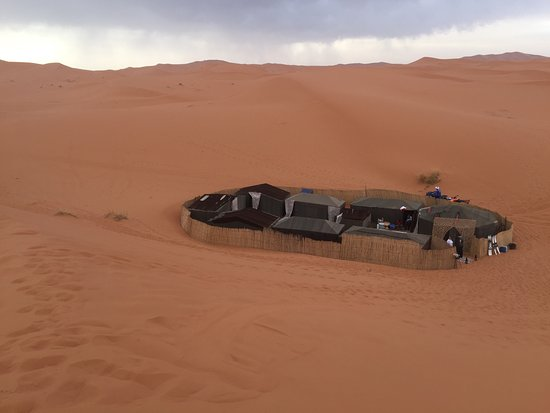 Merzouga, Fas: The camp, berber tents