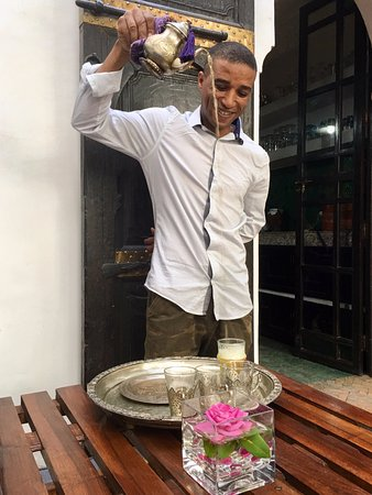 Aziz masterfully pouring our welcome tea at Riad Houdou