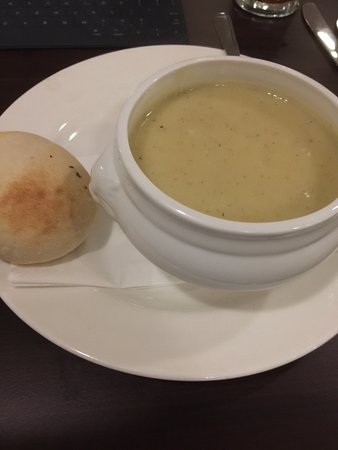 Cranford, UK: Potato and Leek Soup