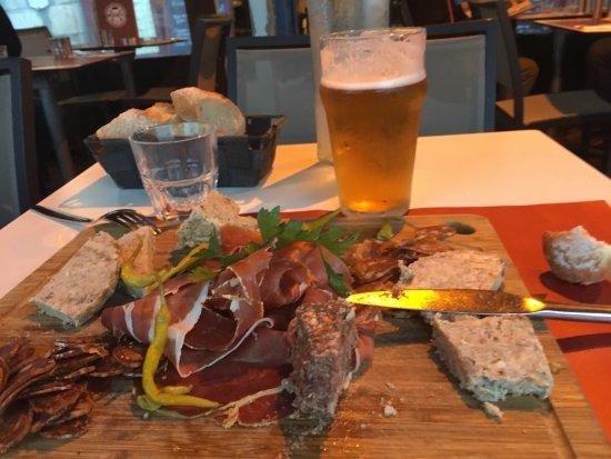 Assiette charcuterie picture of les tontons flingueurs - Tonton flingueurs cuisine ...