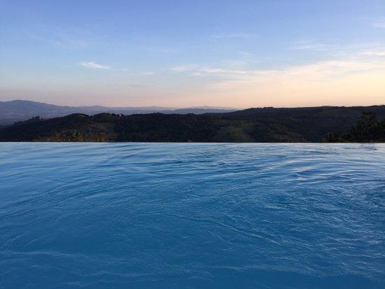Pari, Italia: Infinity Pool