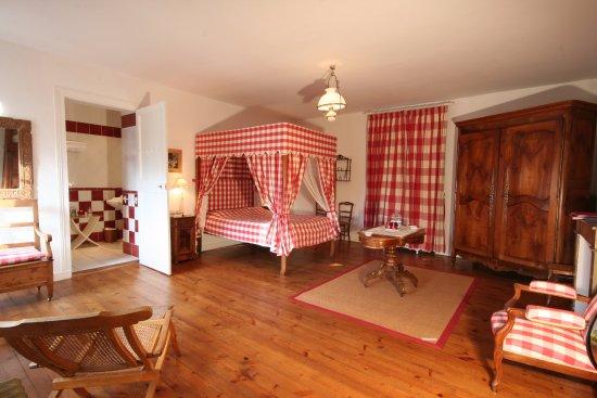 Fontenay-le-Comte, Francia: chambre Ragon pouvant accueillir 2p