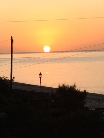 Budleigh Salterton, UK: Sunrise from the Lighthouse room