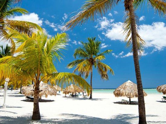 Near Santo Domingo, Boca Chica Beach offers calm, clear waters.