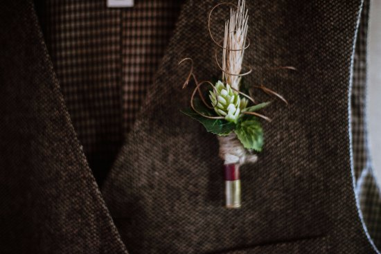 Kawartha Lakes, Canada: Rustic South Pond Boutonnieres
