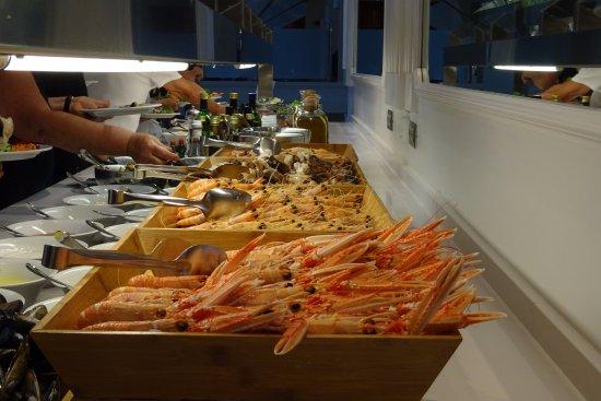 Buffet Scampis Picture Of Hipotels Playa La Barrosa Chiclana De