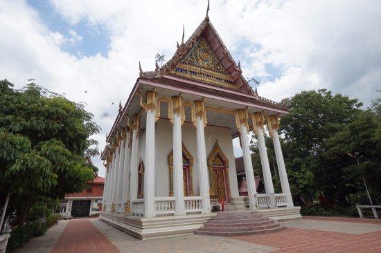 Samut Songkhram, Tailândia: โบสถ์ค่ะ