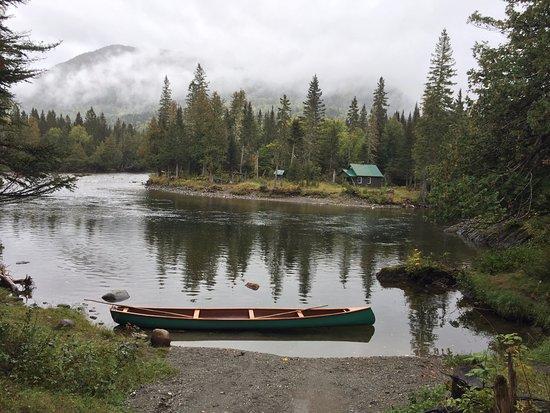 Gaspesie Region, Canada: au bord d'une des nombreuses rivières