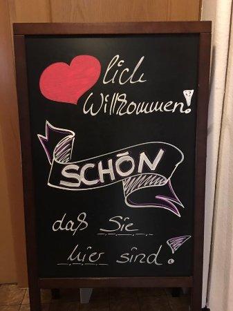 """Weinstadt, Germany: Fühlen Sie sich bei uns """"Herzlich Willkommen"""""""