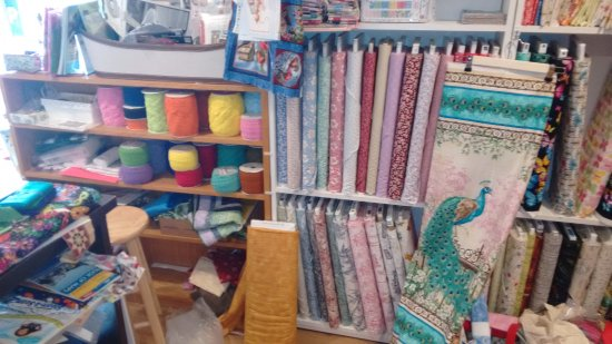 Portola, CA: expertly maintained new quilt shop