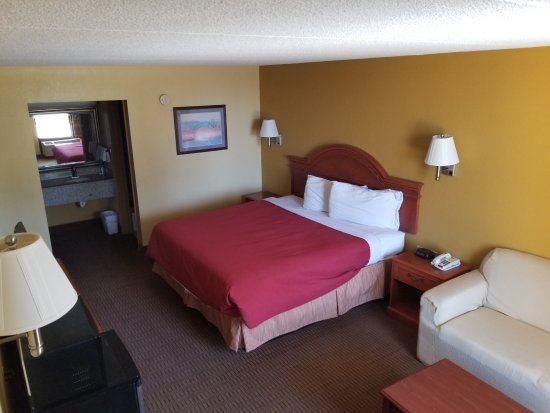 Scottsville, KY: king bed