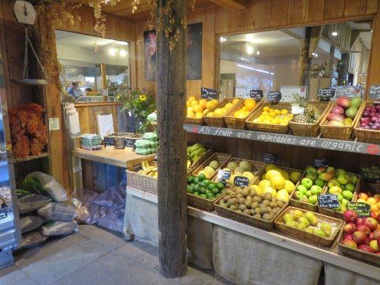 Falkland, UK: fruit