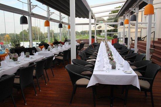 Terrasse Weintergarten mit Heizung Blick auf das Mainvorland