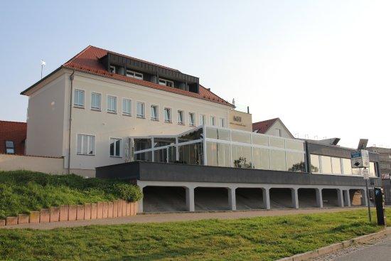 Wintergarten Rüsselsheim restaurant wellenlänge hotel höll am mit wintergarten