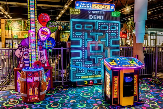 Villa Park, IL: Pac-Man & Galaga in one