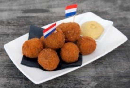 """Vercorin, Switzerland: Notre spécialité hollandaise pour l'apéro """" les Franky's """""""