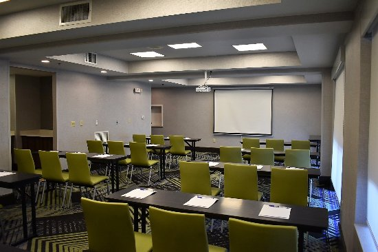 Booking A Meeting Room In Holiday Inn