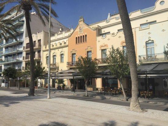 Fachada photo de la nina hotel sitges tripadvisor - Hotel casa vilella ...