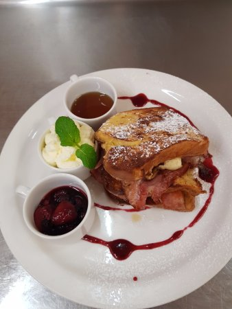 Essence Cafe: Spring menu is amazing, come in and sample, you will be surprised!
