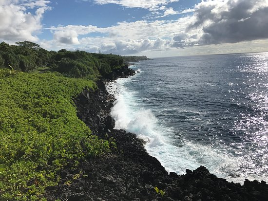 Pahoa, HI: Coastline Red Road