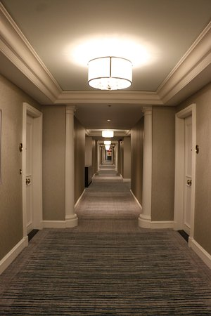Four Seasons Hotel Boston: Room hallway