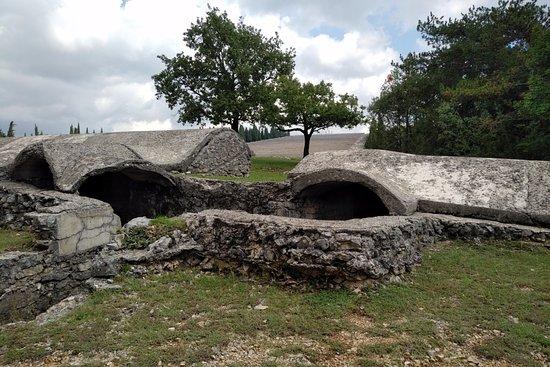 Fogliano Redipuglia, Italia: Evidence of the trench warfare that took place in the area