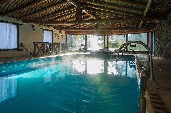 Hotel agua pampas villa ventana argentina opiniones y for Precio piscina climatizada