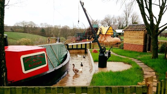 Dorset Heavy Horse Farm Park: Canal display new for 2016
